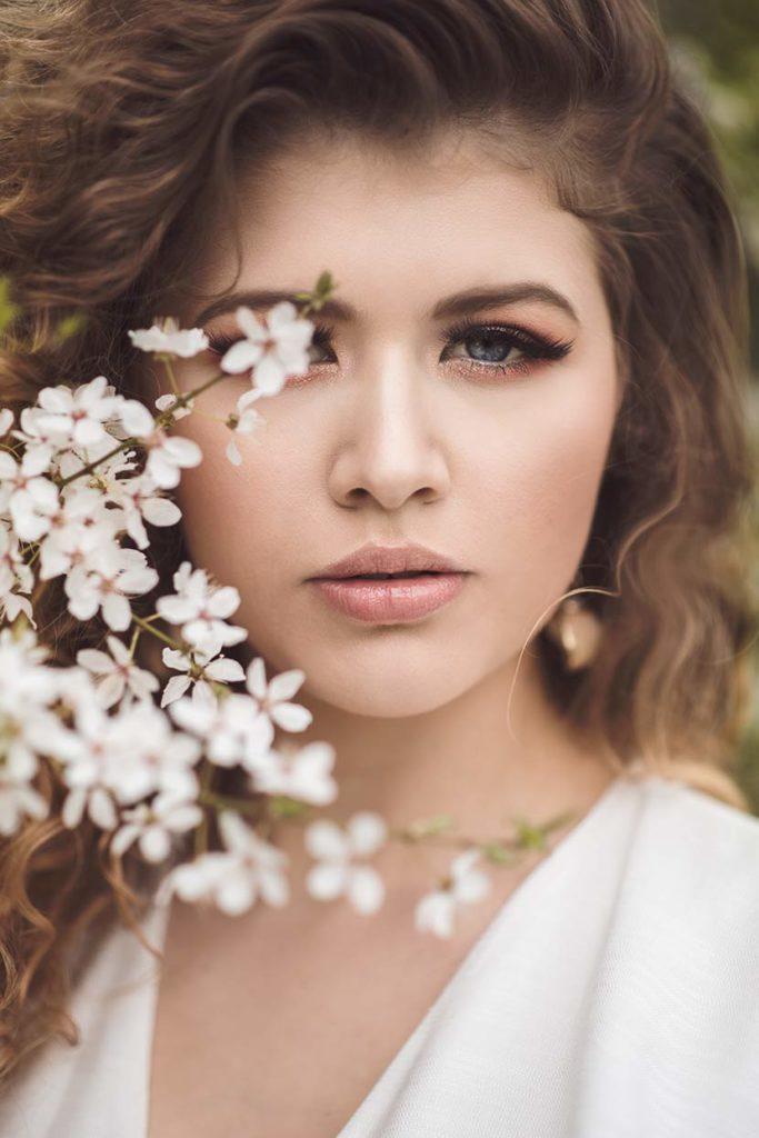 Kobieca sesja zdjęciowa w kwiatach - Katowice